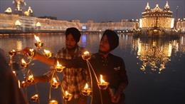 Lễ hội ánh sáng bên sông Hằng