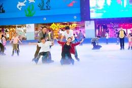 Ra mắt tour khám phá Vincom Mega Mall Royal City