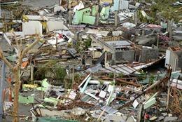 Lính thủy đánh bộ Mỹ đến Philippines cứu tế sau bão