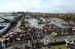 Cứu trợ cho người Việt Nam sống tại Tacloban
