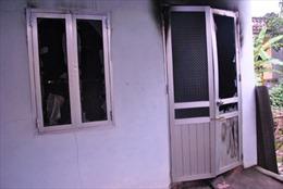 Mua xăng đốt nhà, cả hai vợ chồng chết cháy
