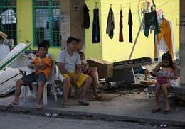 Tổng thống Philippines 'cắm trại' để xử lý hậu bão Haiyan