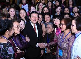 Chủ tịch nước gặp mặt đoàn đại biểu phụ nữ Việt kiều