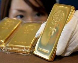 Giá vàng gần mức thấp nhất trong 4 tháng