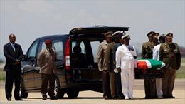 Hành trình cuối cùng của Nelson Mandela về quê hương