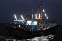 Chìm thuyền câu mực, 4 thuyền viên mất tích