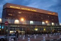 Hai sân bay Moskva cấm mang chất lỏng trong hành lý xách tay