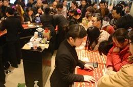 Phụ nữ Trung Quốc đối mặt với 'trận Waterloo vàng'