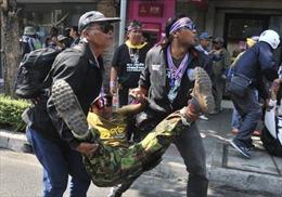 Bom nổ, thủ lĩnh biểu tình Thái Lan thoát nạn