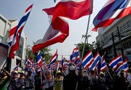 Người biểu tình Thái Lan vây điểm bỏ phiếu sớm