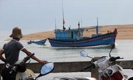Tìm thấy 4 thuyền viên trôi dạt trên biển