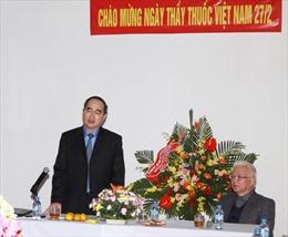 Đồng chí Nguyễn Thiện Nhân thăm Tổng Hội Y học