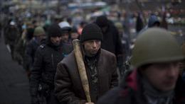 Người có vũ trang chiếm tòa nhà chính quyền ở Crưm
