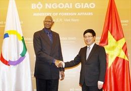 Phó Thủ tướng Phạm Bình Minh hội đàm với Tổng Thư ký Pháp ngữ