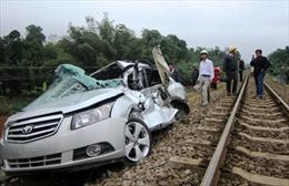 Tàu hỏa đâm nát ô tô, Phó trưởng CA huyện tử vong