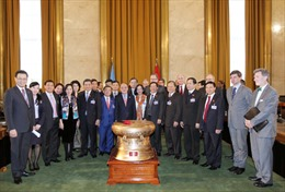 Chủ tịch QH Nguyễn Sinh Hùng thăm Văn phòng LHQ tại Geneva
