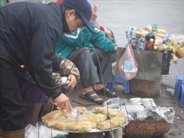 Hà Nội tăng giám sát thức ăn đường phố gần trường học
