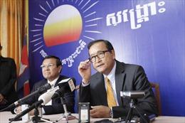 Chính phủ Campuchia cảnh cáo thủ lĩnh đối lập Sam Rainsy