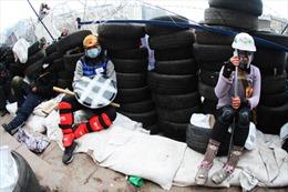 Miền Đông căng thẳng, chính quyền Ukraine dọa 'bắn thị uy'