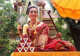 Người Lào vui Tết cổ truyền Bunpimay