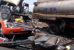 Tai nạn giao thông kinh hoàng tại Tiền Giang