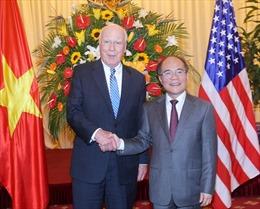 Chủ tịch Quốc hội Nguyễn Sinh Hùng hội đàm với Chủ tịch Thượng viện Mỹ
