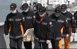 Hàn Quốc vớt được những thi thể đầu tiên từ chiếc phà bị đắm