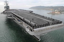 Tổng Tham mưu trưởng quân đội Trung Quốc thăm tàu sân bay Mỹ