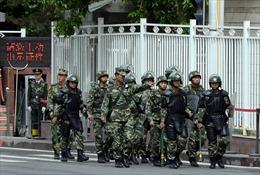 Trung Quốc điều cảnh sát tuần tra vũ trang các ga tàu điện ngầm ở Bắc Kinh