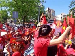 Tuần hành tại Zurich yêu cầu Trung Quốc tuân thủ luật pháp quốc tế