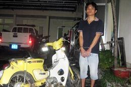 Cảnh sát giao thông tóm gọn kẻ cướp điện thoại