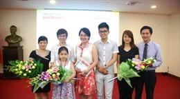 Báo Tin Tức trao giải cuộc thi viết 'Gia đình tôi - Ước mơ tôi'