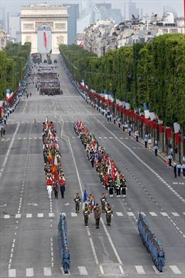 Pháp diễu binh hoành tráng mừng Quốc khánh