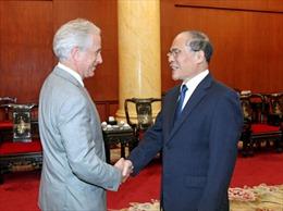 Thành viên cao cấp Ủy ban Đối ngoại Thượng viện Hoa Kỳ thăm Việt Nam