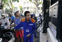 Giá xăng giảm thêm 600 đồng/lít