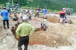 Vận động dân ngừng đào bới đèo Mang Yang tìm huỳnh đàn