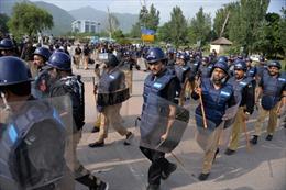 Chính phủ Pakistan và phe đối lập đàm phán chấm dứt khủng hoảng