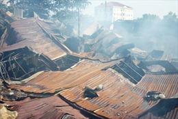 Dập tắt vụ cháy xưởng gỗ ở quận Thủ Đức