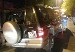 Xe ô tô gây tai nạn liên hoàn trên đường Đội Cấn