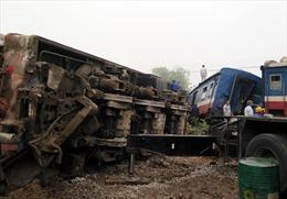 Thông tuyến đường sắt Nam Định sau vụ tai nạn