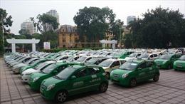 Tuyên truyền pháp luật giao thông cho lái xe taxi