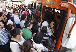 Giao thông ở Santiago hỗn loạn do sự cố hệ thống tầu điện ngầm