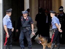 Sơ tán khẩn cấp do báo động bom ở Italy và Anh