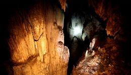 Hang Thiên Thủy và Tết Khu Cù Tê được công nhận di tích và di sản Quốc gia