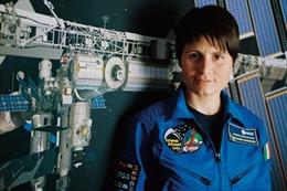 Nữ phi hành gia Italy đầu tiên bay vào vũ trụ