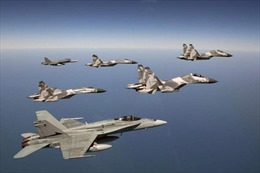 Nga tăng cường 14 chiến đấu cơ tới Crimea
