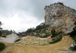 Vĩnh Phúc chấn chỉnh nạn xe tải khai thác đất trái phép, băm nát núi đồi