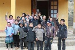 Tiếp sức cho trẻ em vùng cao và người khuyết tật