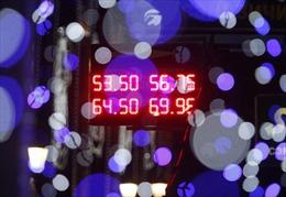 Nga: Đồng ruble tạm ổn, lạm phát phi mã cận kề