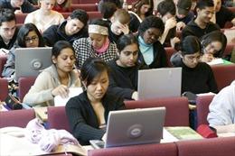 Anh: Kế hoạch mới về chính sách visa sinh viên bị chỉ trích